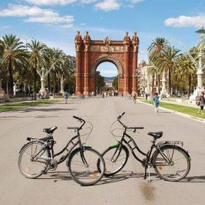 Zwei verliebte Fahrräder